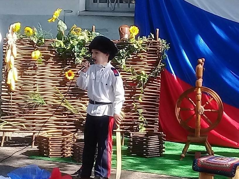 В Новошахтинске прошел фестиваль «Казачьему роду нема переводу», фото-1