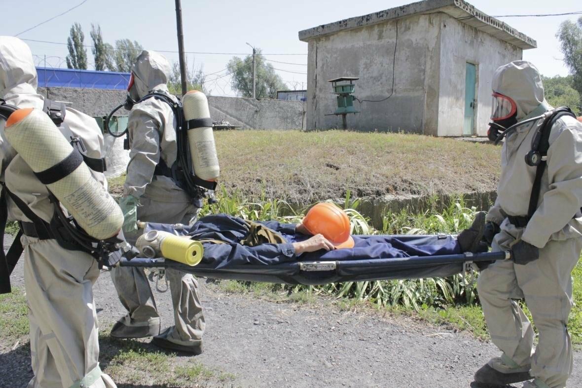В Новошахтинске был успешно ликвидирован пожар рядом с безалкогольным заводом , фото-2