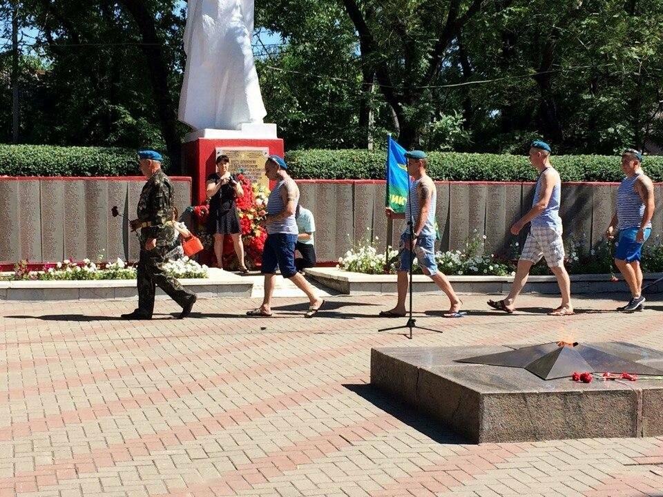 В Новошахтинске прошел митинг, посвященный Дню воздушно-десантных войск, фото-4