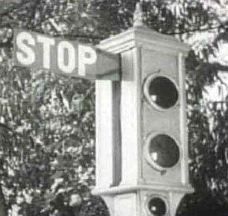 Жителям Новошахтинска напомнили о важности светофора, фото-3