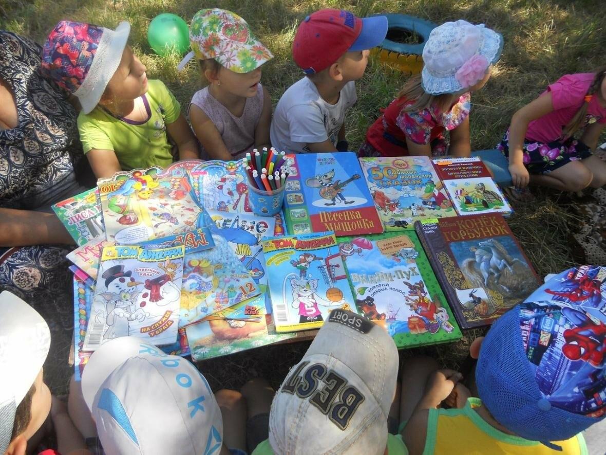В Новошахтинске на новой площадке  приятно и книжки почитать, фото-3