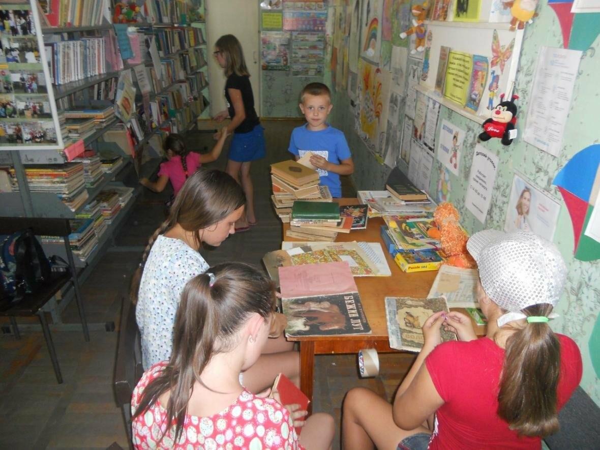 В Новошахтинске на новой площадке  приятно и книжки почитать, фото-1