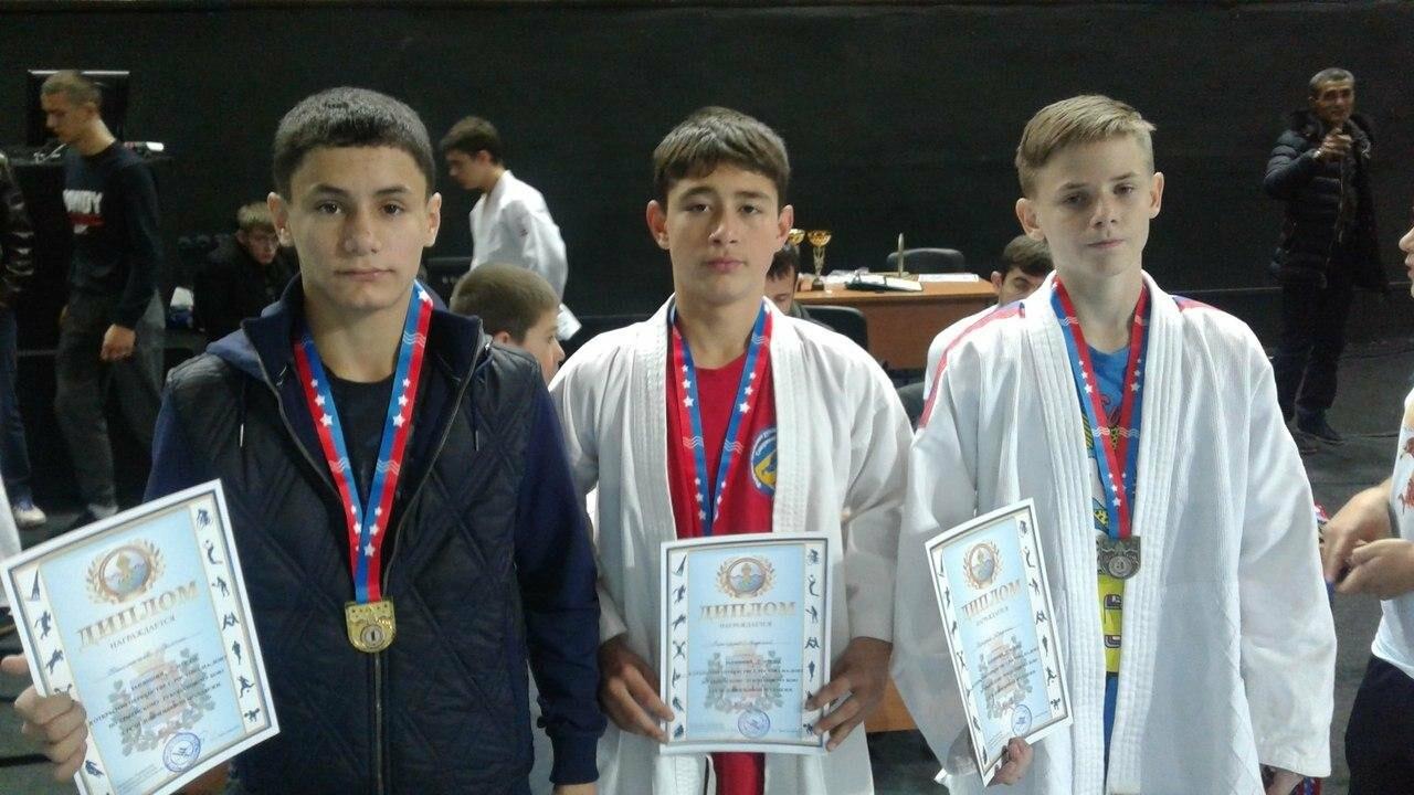 Новошахтинские спортсмены стали лучшими в области по армейскому рукопашному бою, фото-1
