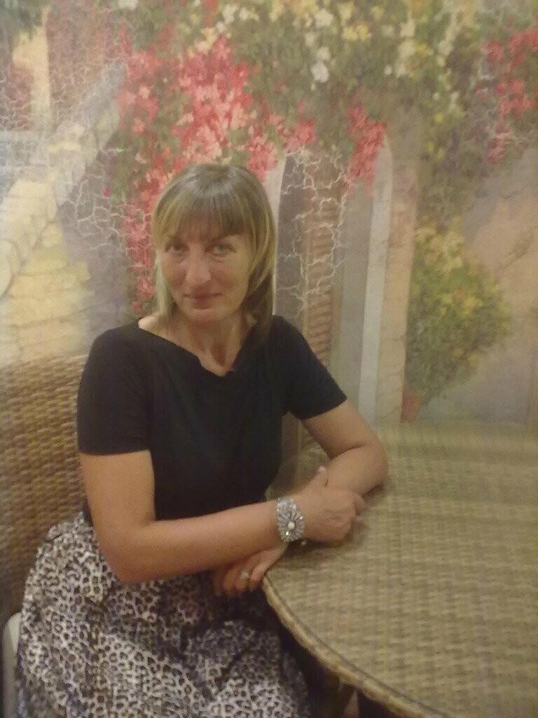 Жительниц Новошахтинска поздравляют с Днём матери, фото-2