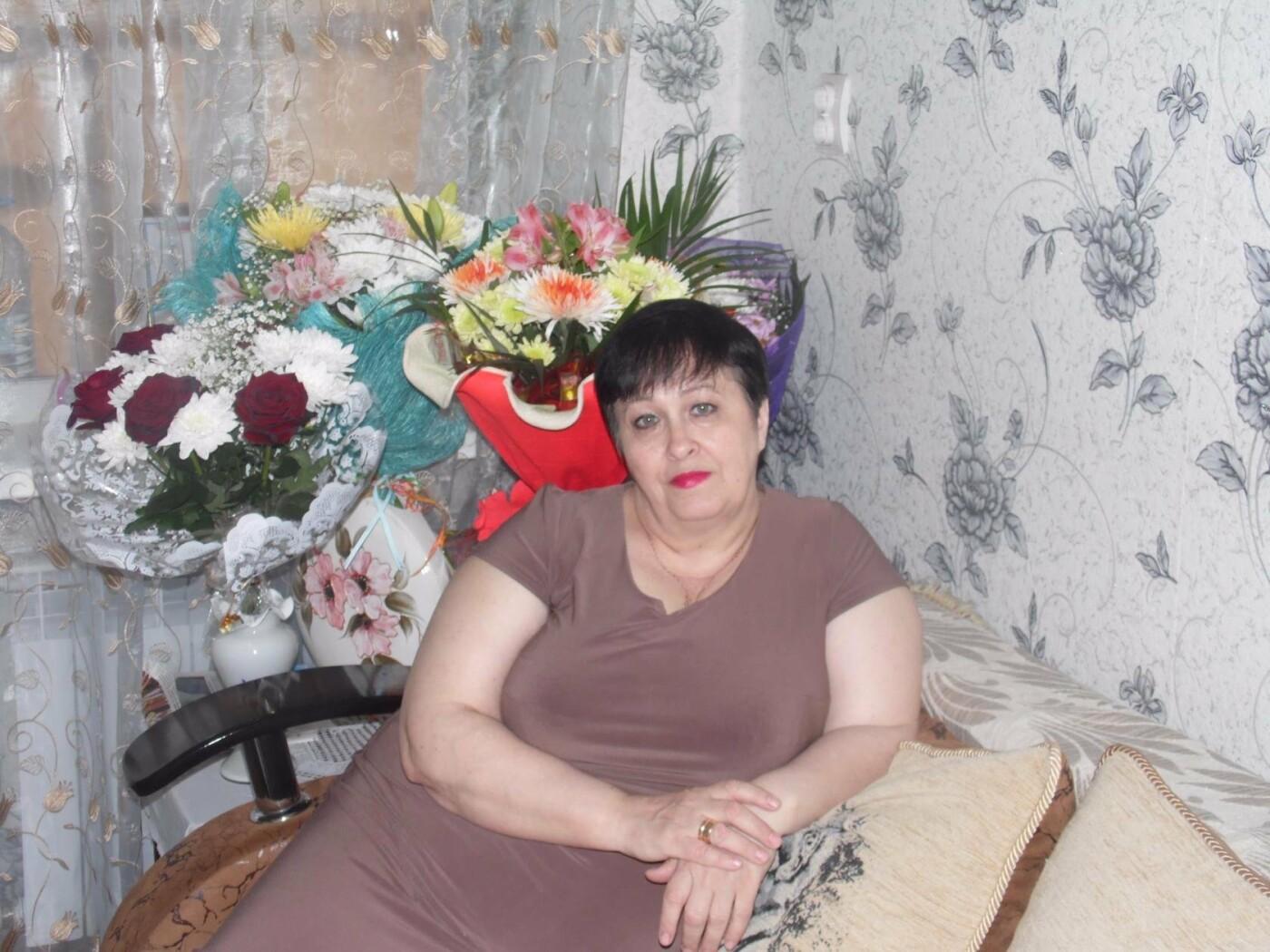 Жительниц Новошахтинска поздравляют с Днём матери, фото-4