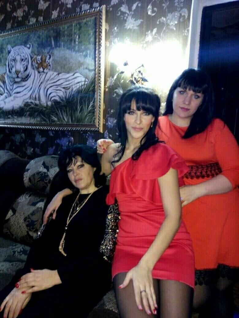Жительниц Новошахтинска поздравляют с Днём матери, фото-7