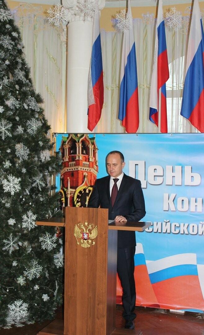 Юные новошахтинцы получили главный документ гражданина России, фото-5