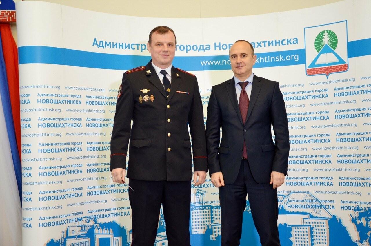 Правоохранители и депутаты Новошахтинска награждены золотыми знаками ГТО, фото-1