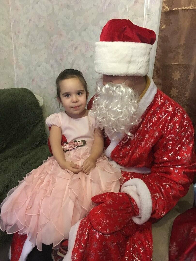 Дед Мороз и Снегурочка посетили особенных детей Новошахтинска , фото-1