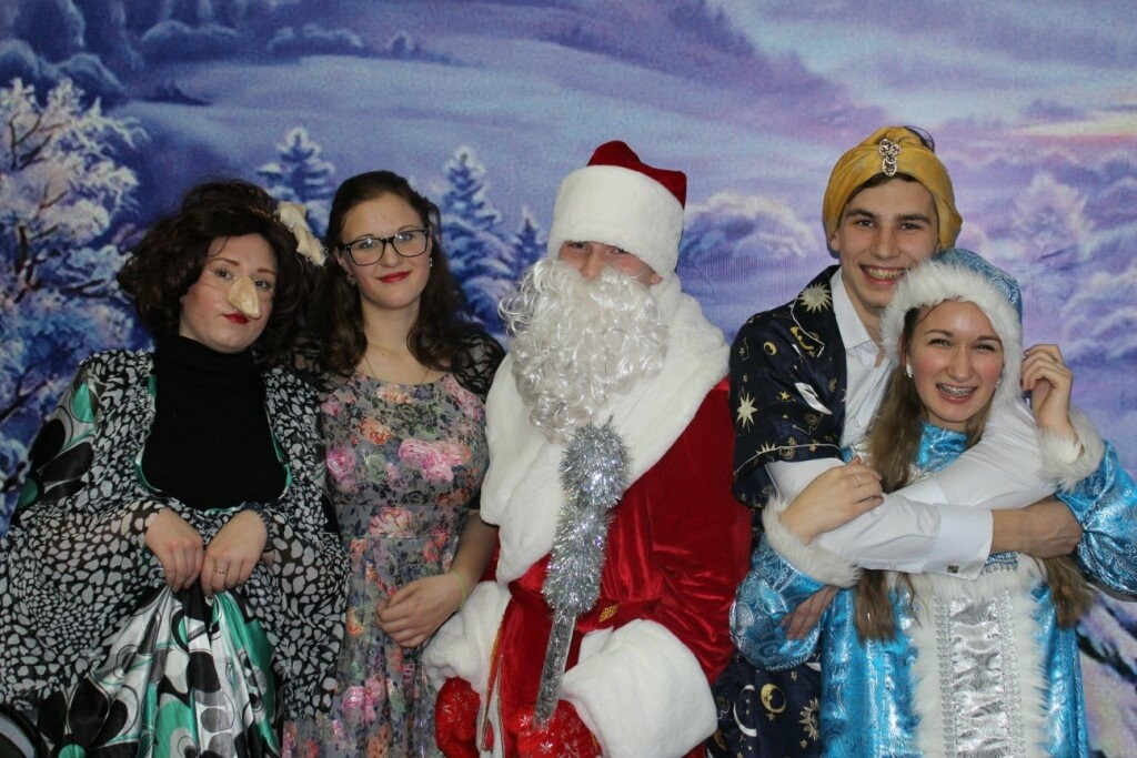 В Новошахтинске продолжаются новогодние утренники , фото-1