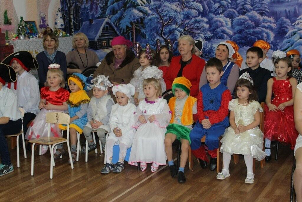 В Новошахтинске продолжаются новогодние утренники , фото-4