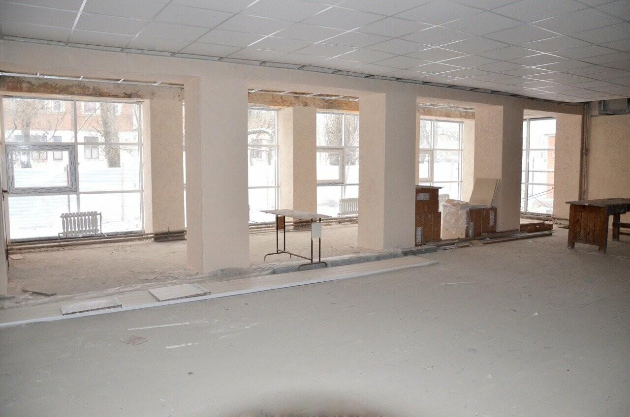 Мэр Новошахтинска провёл выездное совещание по вопросу капитального ремонта клуба поселка Новая Соколовка, фото-1