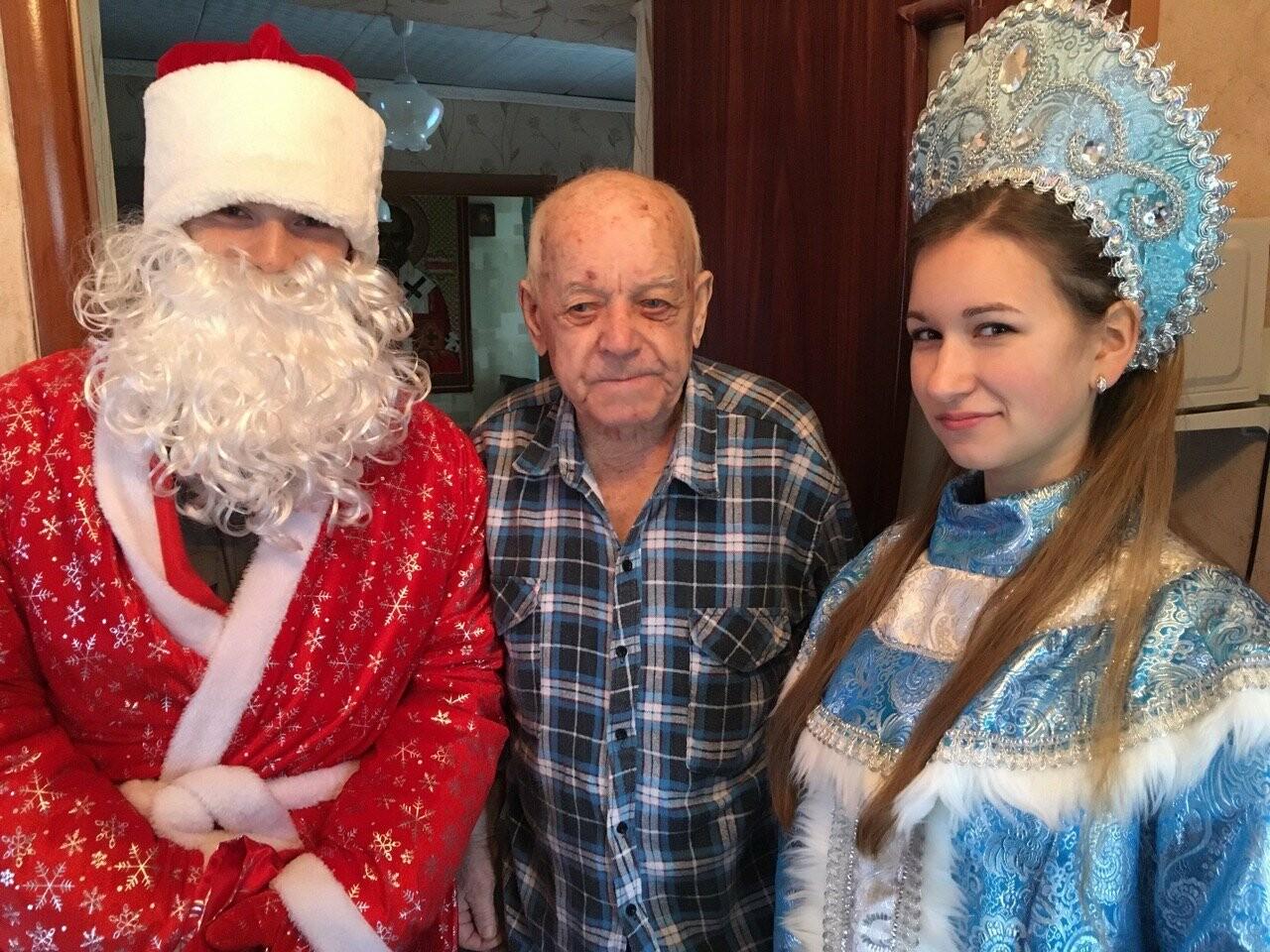 Ветеранов ВОВ Новошахтинска поздравили с наступающими новогодними праздниками, фото-4