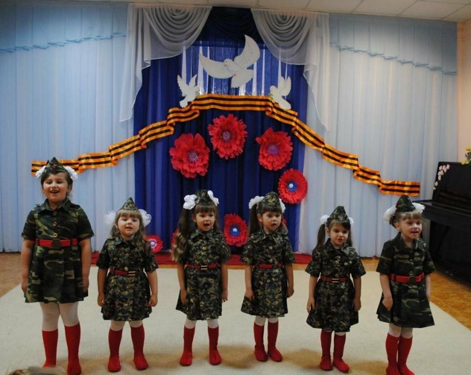 Юные новошахтинцы вспомнили героев ВОВ, исполнили патриотические песни и попробовали солдатскую кашу, фото-3
