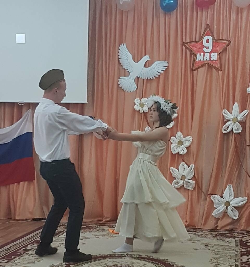В СРЦ Новошахтинска  прошло праздничное мероприятие «Слава тебе, победитель солдат!, фото-1