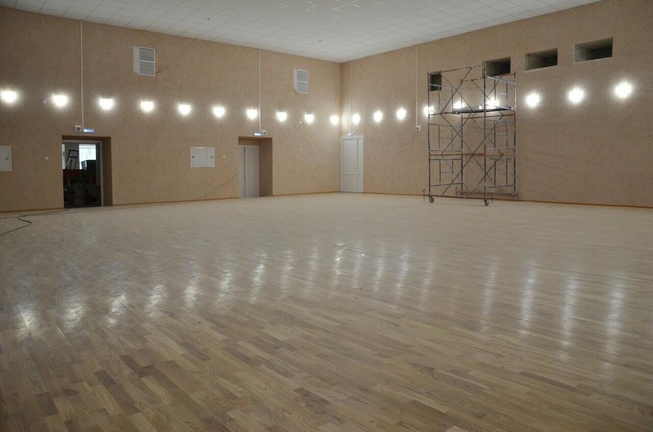 В Новошахтинске продолжается капремонт клуба пос.Новая Соколовка, фото-1