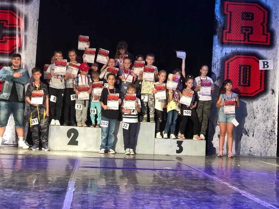 Новошахтинские танцоры привезли домой очередные награды , фото-1