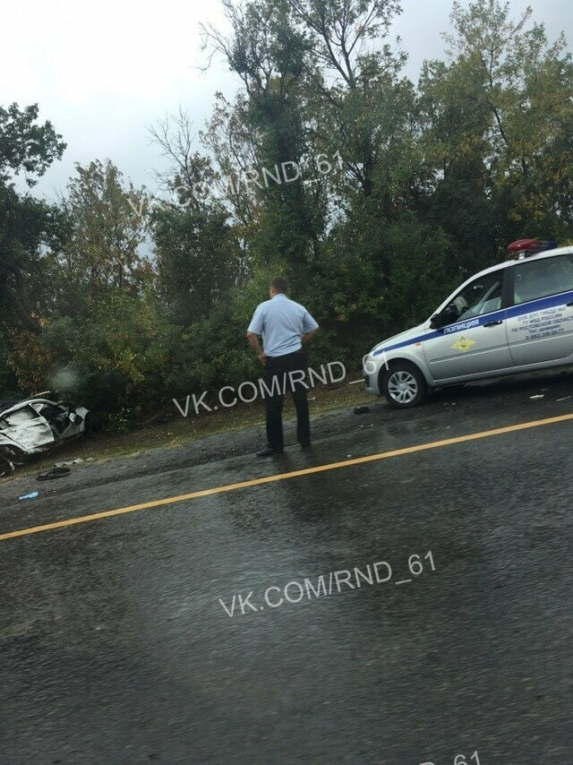 Под Новошахтинском погиб мужчина на BMW, врезавшись в грузовик, фото-2