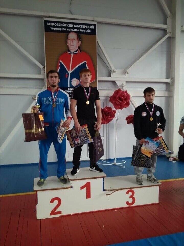 В Новошахтинске прошёл Всероссийский мастерский турнир по вольной борьбе, фото-1