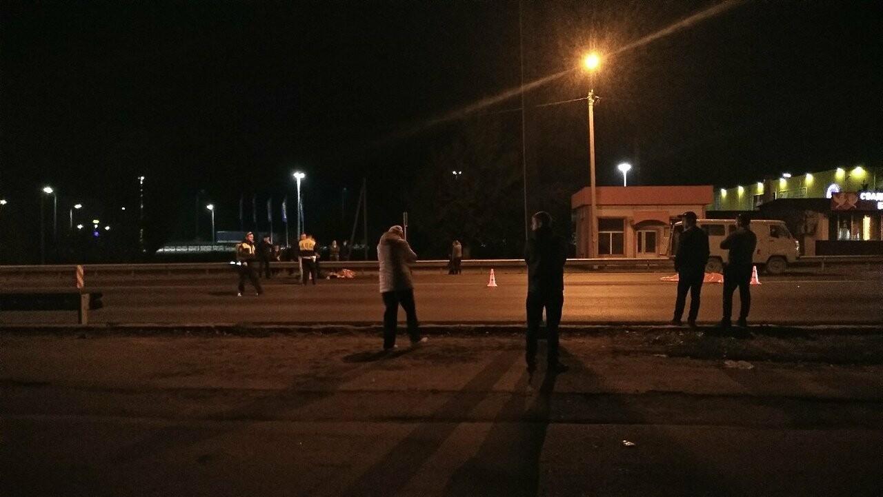 Страшное ДТП в Новошахтинске. Легковушка насмерть сбила двух пешеходов, еще один в больнице, фото-2
