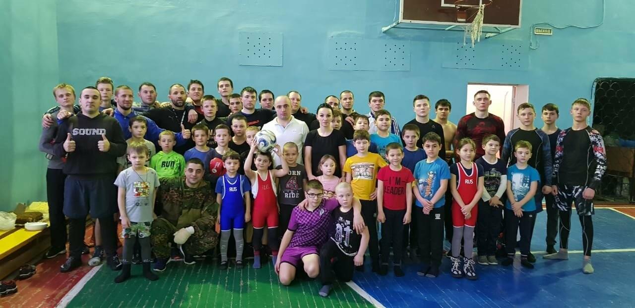 Спортсмены обменялись опытом: в Новошахтинске прошла совместная тренировка, фото-1