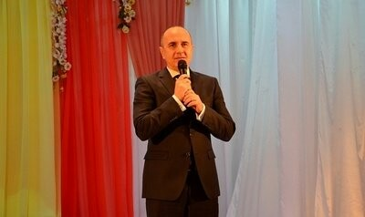 Мэр Новошахтинска поздравил женщин с наступающим праздником, фото-1