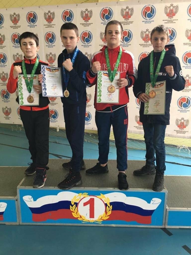 Новошахтинские боксёры покорили Сальск, фото-1