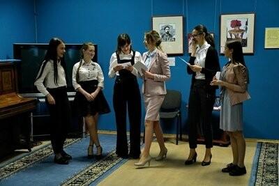 В драмтеатре Новошахтинска прошла акция «100 баллов для победы», фото-2