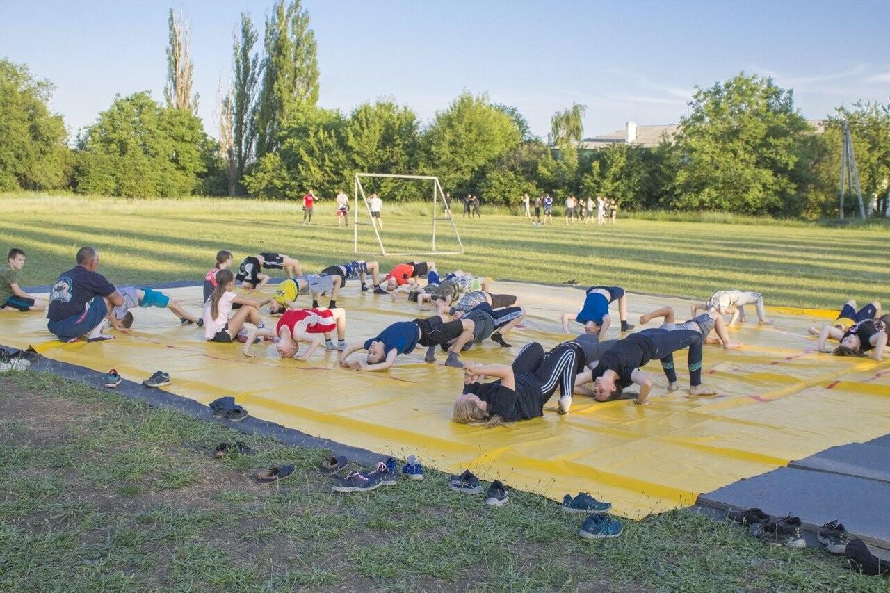 «Из улиц в спорт»: новошахтинцев приглашают на занятия по смешанным единоборствам, фото-3