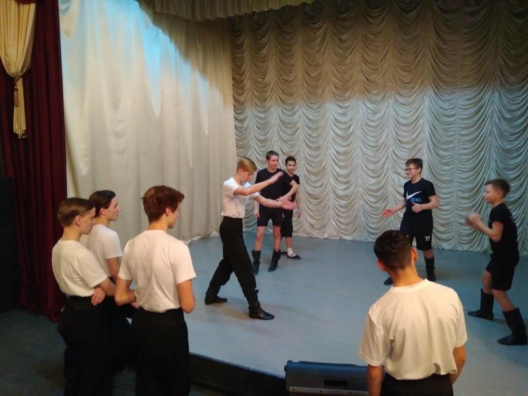 В Детской музыкальной школе состоялся мастер-класс по народному танцу, фото-1
