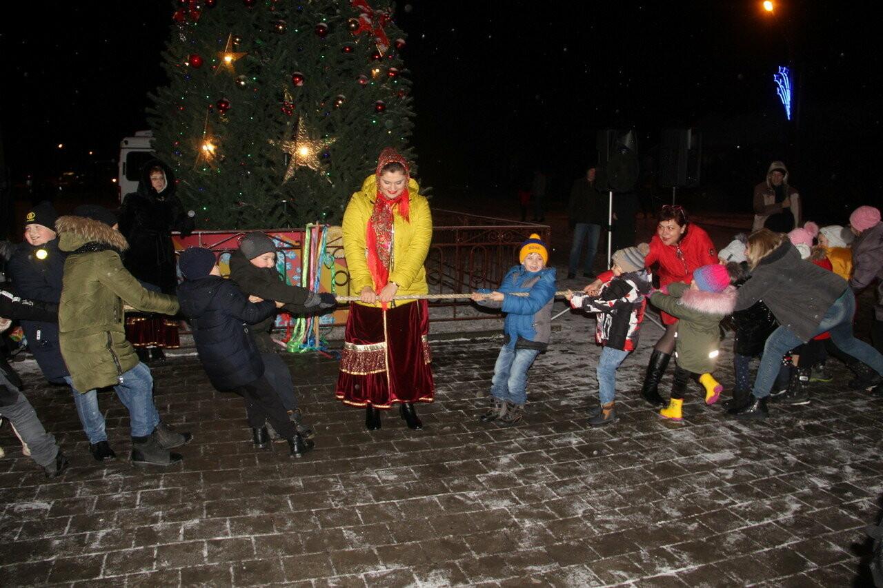 В Новошахтинске состоялось народное гуляние, фото-1