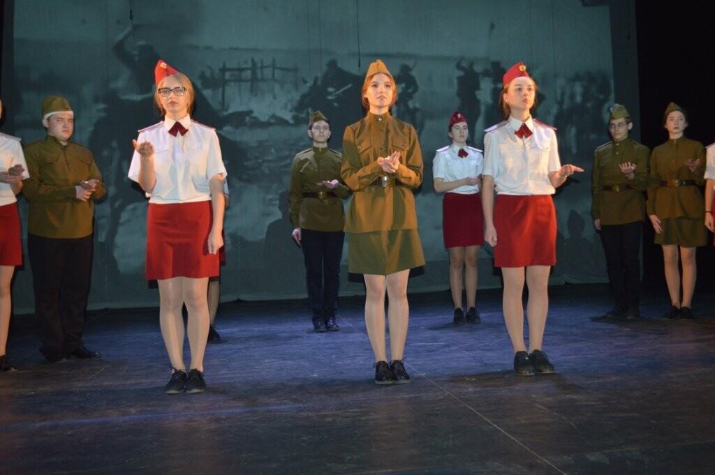 В Новошахтинске завершился фестиваль школьных театральных коллективов, фото-5