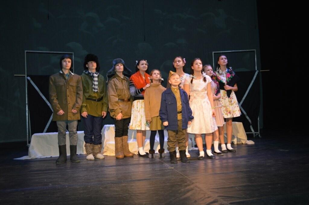 В Новошахтинске завершился фестиваль школьных театральных коллективов, фото-4