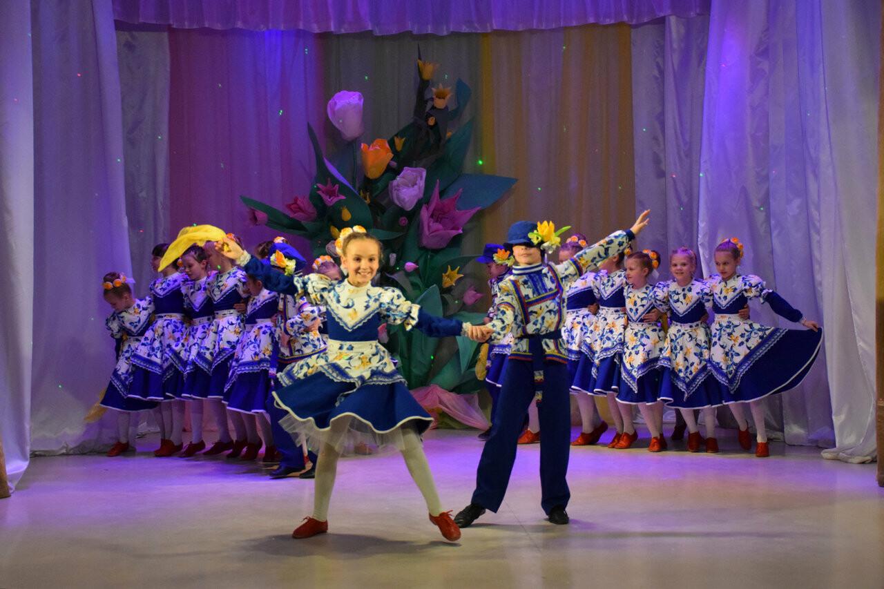В Новошахтинске состоялся праздничный концерт для женщин , фото-2