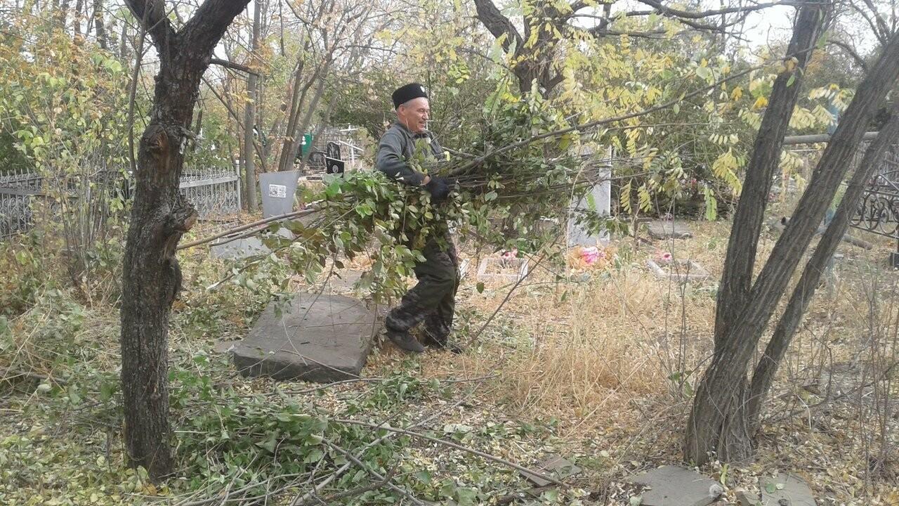 Новошахтинцы очистили захоронения казаков , фото-2