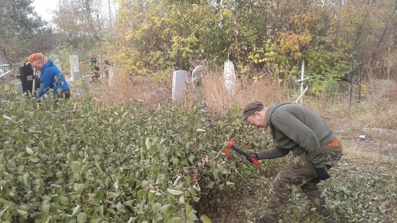 Новошахтинцы очистили захоронения казаков , фото-4