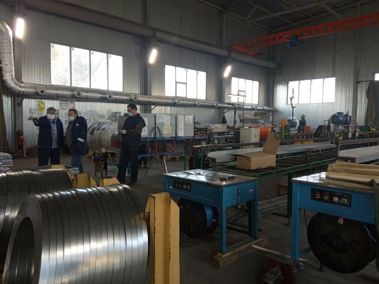 На промышленных предприятиях Новошахтинска проводится мониторинг соблюдения требований по недопущению заноса COVID-19, фото-2