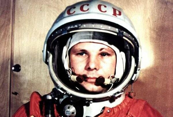 Юрий-Гагарин-11