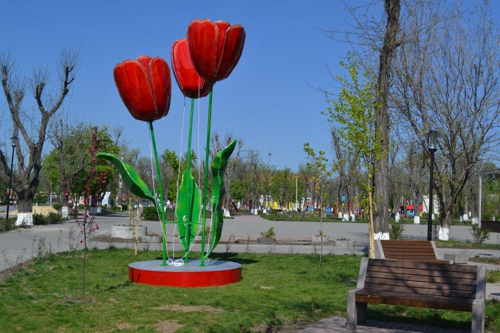 Новошахтинский парк отдыха ещё закрыт, но уже удивляет горожан , фото-1