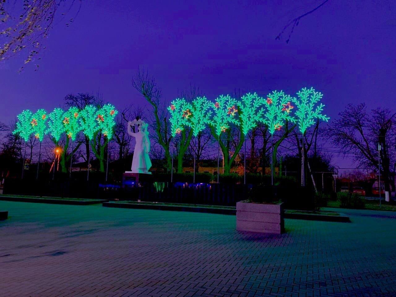 Новошахтинск преобразился к новогодним праздникам , фото-12