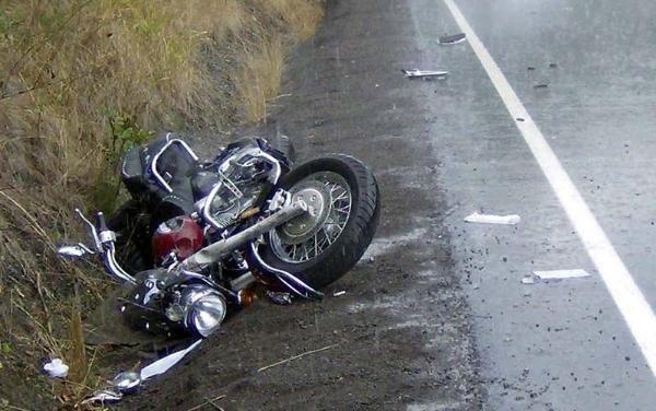 В Ростовской области автомобиль проехал по мертвому байкеру